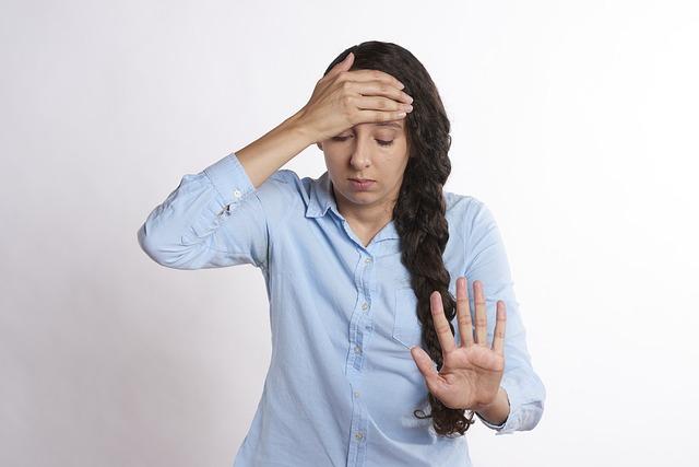 ból z tyłu głowy