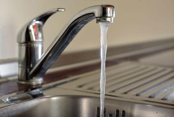 Czy woda z kranu zawsze jest zdatna do picia?