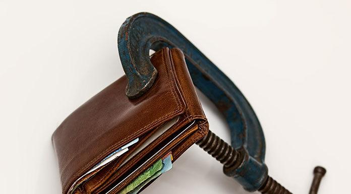 Byle do pierwszego. Niewidzialne wydatki, które plądrują Twój portfel!