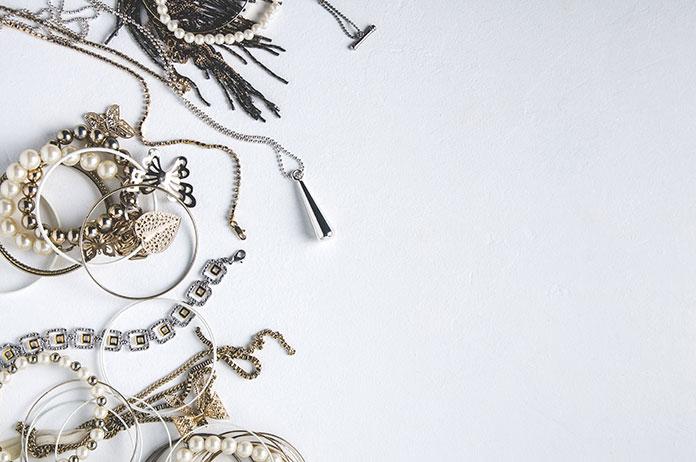 Biżuteria w różnym stylu – którą wybrać